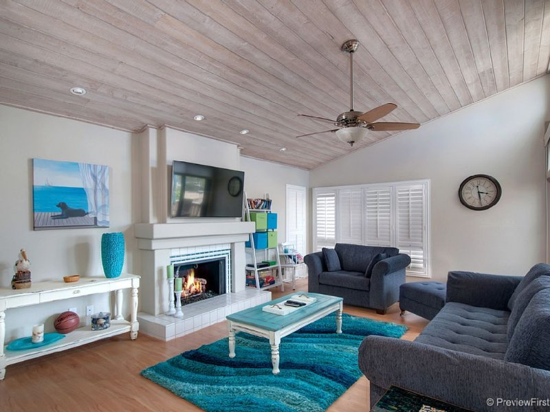 Spacious Solana Beach Townhome! Spring special 175$ per night!, vacation rental in Solana Beach