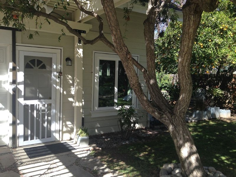 Classic Pasadena Neighborhood near everything, holiday rental in San Gabriel