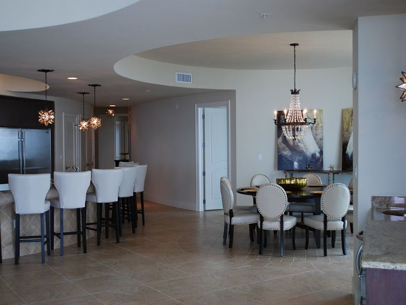 Turquoise Place 4BDR 4 1/2 Bath Condo, holiday rental in Orange Beach