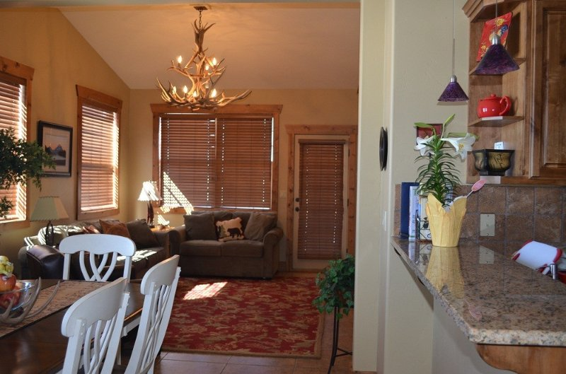 New Luxury Condo at affordable rates with Teton Views, holiday rental in Driggs