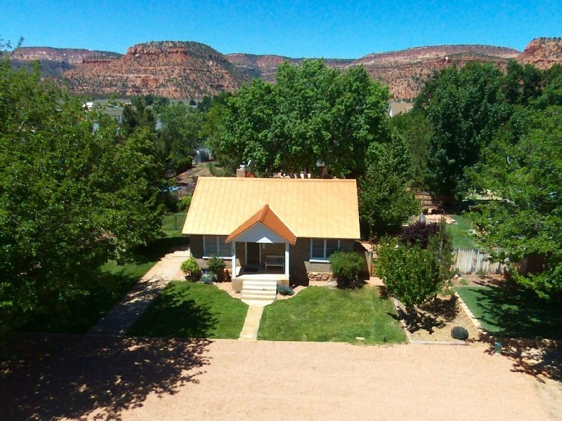A Pet Friendly Home Located In The Heart Of Kanab, UT, location de vacances à Kanab
