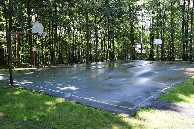 Outdoor Basketball courts!