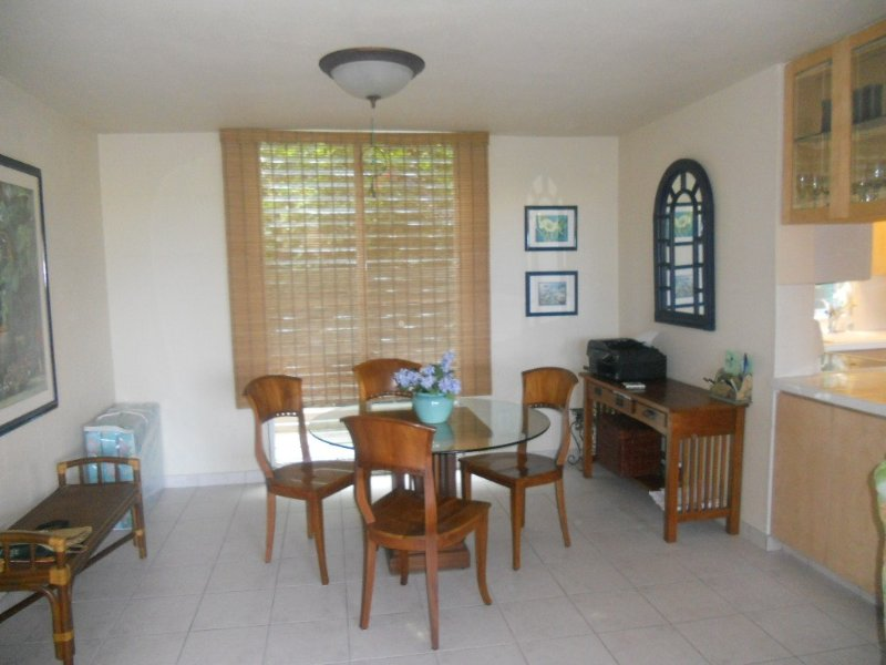 Hidden Paradise Found with Aloha Spirit and Great Rates!, holiday rental in Honalo