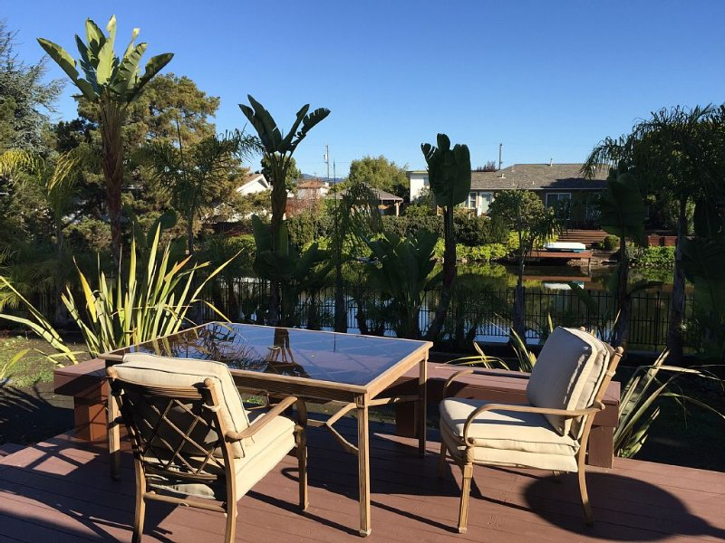 Beautiful, Tropical & Sunny Lagoon Setting, location de vacances à Alameda