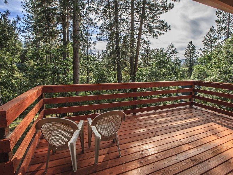 Yosemite/Bass Lake Get-Away, Lovely 2-story home, alquiler vacacional en Ahwahnee