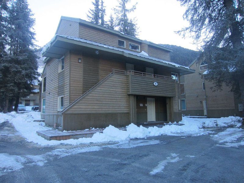Adorable, Affordable and easy access to ski area, alquiler de vacaciones en Girdwood
