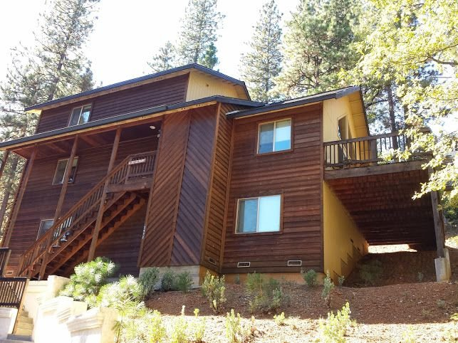 Newer Luxury Cabin In Blue Lake Springs, alquiler de vacaciones en Arnold