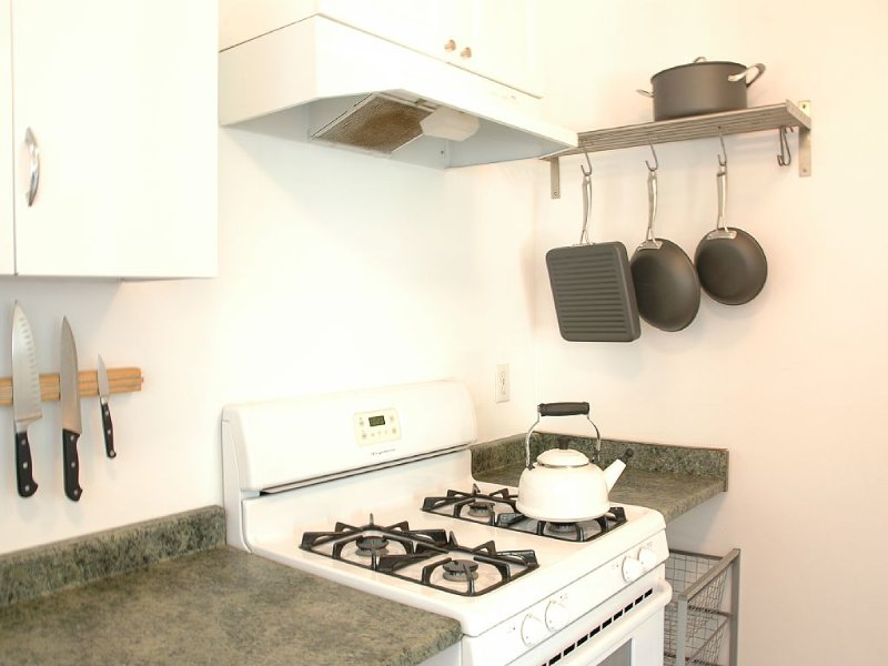 Burbank Rancho 1 Bedroom Guest House Near Studios and Equestrian Center, vacation rental in Glendale