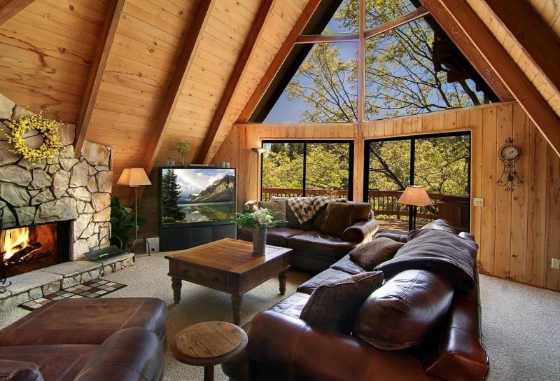 North Bay Retreat: Spacious/Cozy, Views, Balcony w/ Spa, Free WiFi, Amenities, alquiler de vacaciones en Lake Arrowhead