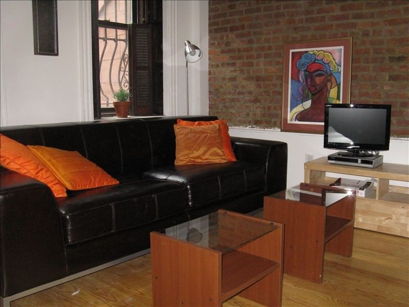 Beautiful Harlem Brownstone Garden Apartment - Weekly/Monthly Discounts, holiday rental in New York City