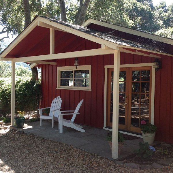 A Cozy Rustic Cabin Retreat, location de vacances à Monterey County