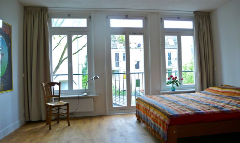 18th Century Apartment In The Famous Jordaan Area In Local Street, holiday rental in Amsterdam