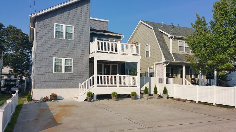 Newly Renovated! Close to Beach, Shops, Restaurants & Large Deck | Sanitized, vacation rental in Brigantine