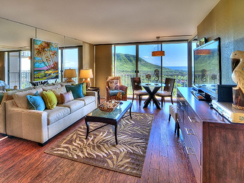 Elegantly Decorated & Upgraded Condo With Ocean & Mountain Views, Free WiFi, location de vacances à Waianae