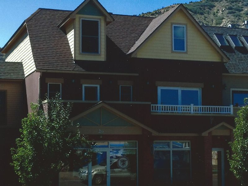 Literally, Downtown Durango, Perfect Location!, holiday rental in Durango