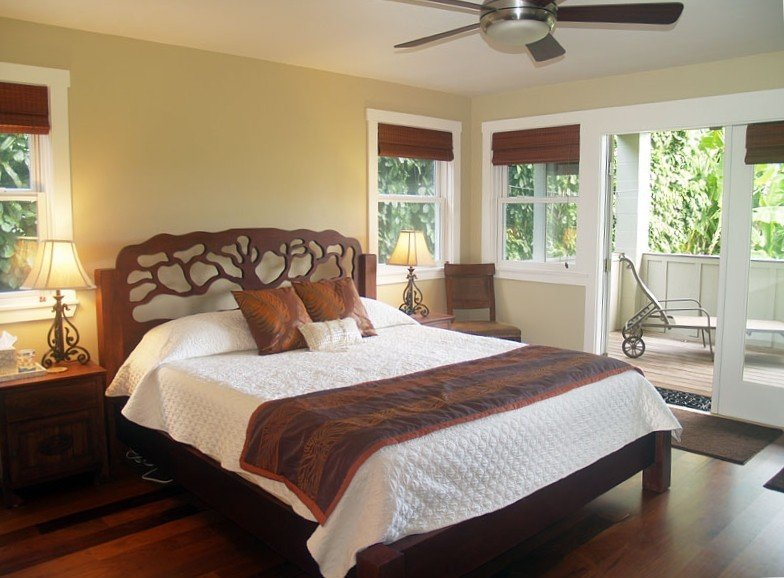 Spring specials!!! New home, perfect for two familiesWalk to  Beach & Hanalei, location de vacances à Hanalei