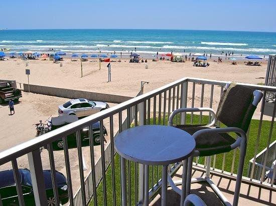 BEACH FRONT condo with amazing views of the Gulf of Mexico, alquiler de vacaciones en Isla del Padre Sur