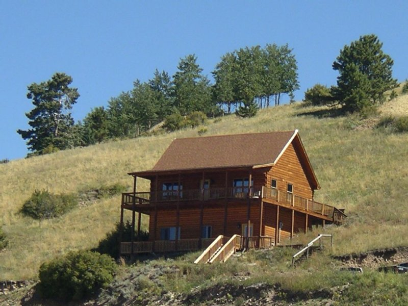 Minutes from Gold Mining Tours, Hiking Trails, Museums, Fishing, and Gambling, holiday rental in Cripple Creek