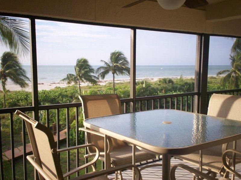 Oceanfront Condo at Sanddollar #B-202 - Panoramic View of Ocean - 3 Bedroom, vacation rental in Sanibel Island