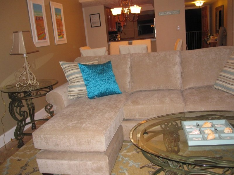 'Nice Place Ya Got Mrs. G!'  Direct Ocean - on the Beach, holiday rental in Cape Canaveral