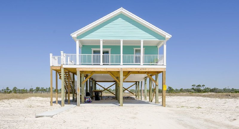 Relaxing home at Ft. Morgan with Uncrowded beaches, holiday rental in Fort Morgan
