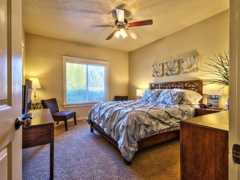 Cozy,3 bedroom, Community pool, close to everything in Boise, Meridian, Nampa, vacation rental in Meridian