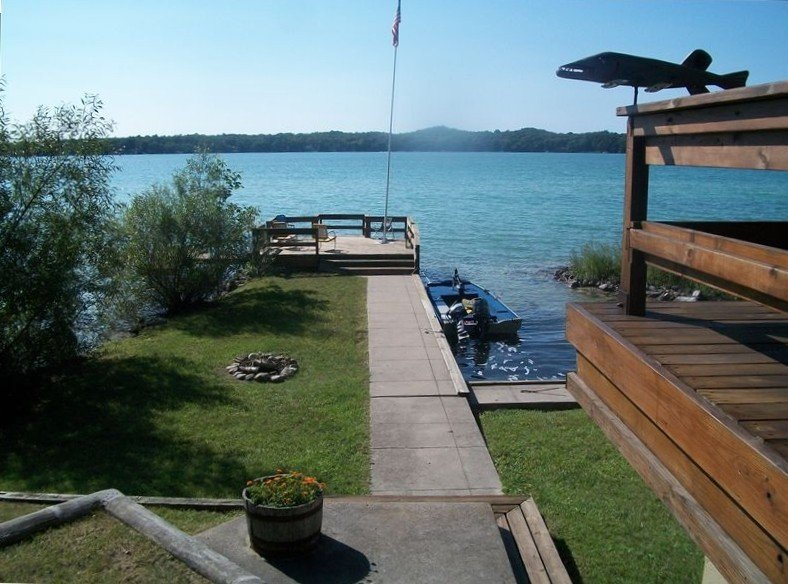 Beautiful Family House on the Lake, vakantiewoning in Leelanau County