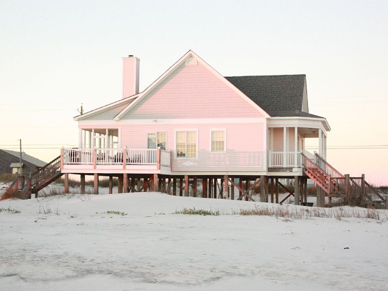 Designer Gulf Front Beach House - Family Friendly. Quiet!, holiday rental in Dauphin Island