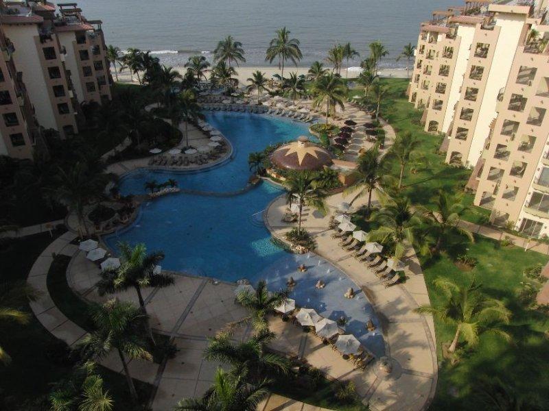 9th Floor with Great View Overlooking Banderas Bay, alquiler de vacaciones en Flamingos