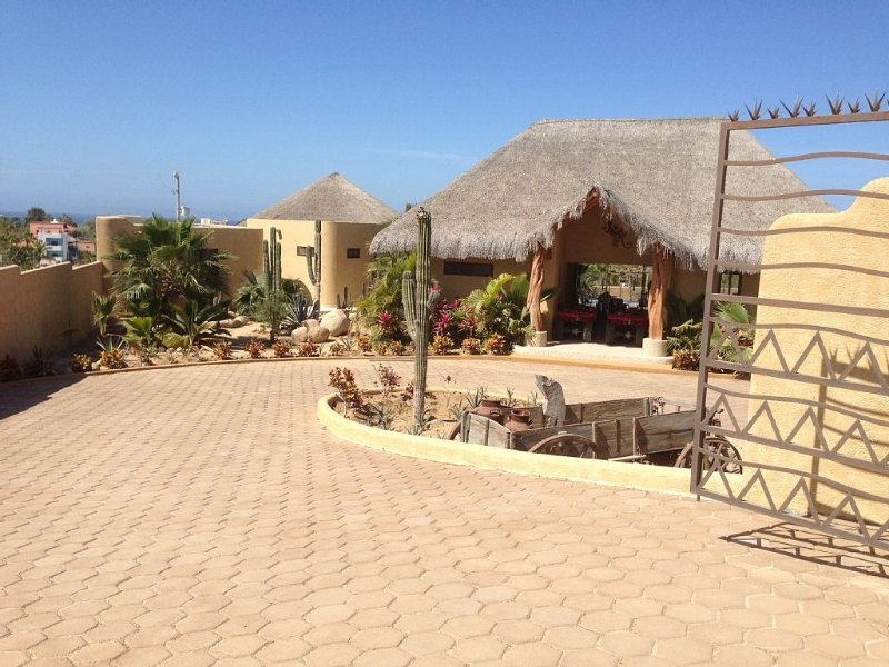 Luxurious 3 bdrm Ocean View Home with heated Olympic Lap Pool, vacation rental in Todos Santos