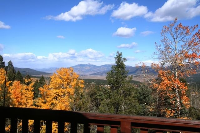 Well-Appointed Southwest Mountain Home - The Mountains Are Calling!, vacation rental in Angel Fire