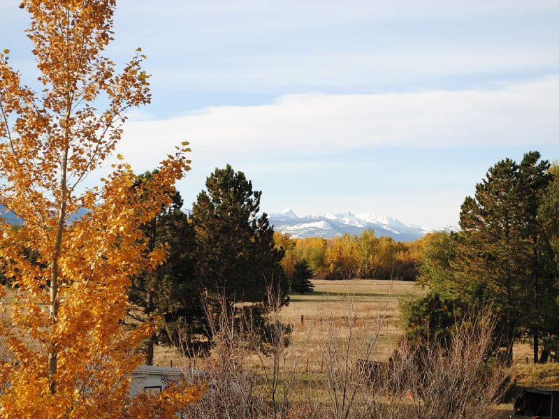 Sourdough Serenity With Trails And Wonderful Mountain Views!!, holiday rental in Bozeman
