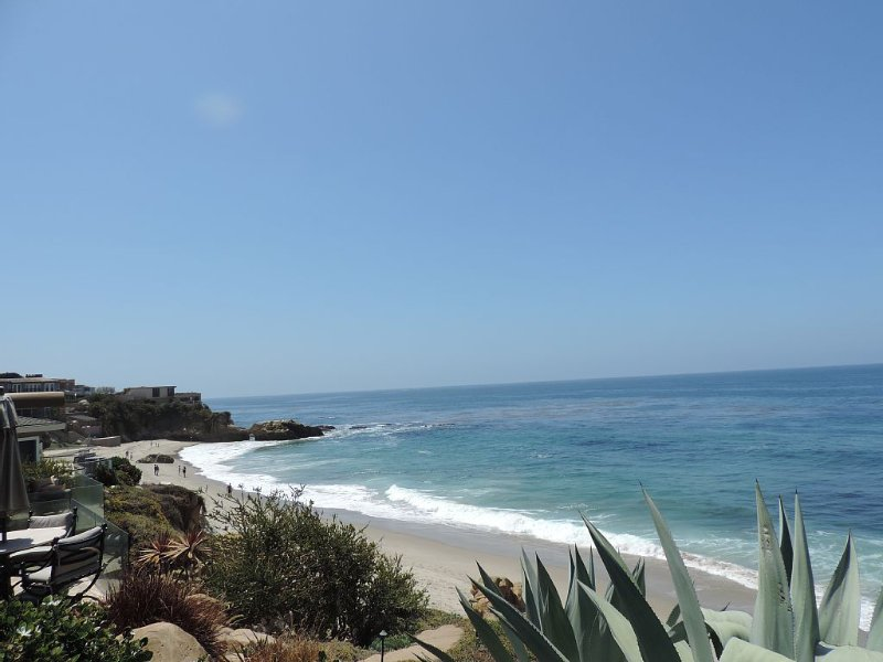 CONTEMPORARY COTTAGE, BEST LOCATION, TWO BLOCKS FROM THE BEACH!!!, vacation rental in Laguna Beach
