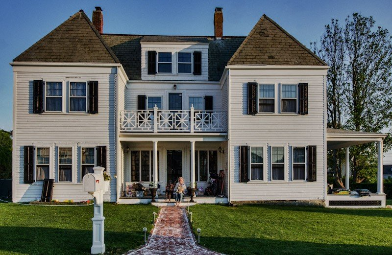 Newport - Exclusive Renfrew Park Beach House Waterview Apartment, Central A/C, holiday rental in Middletown