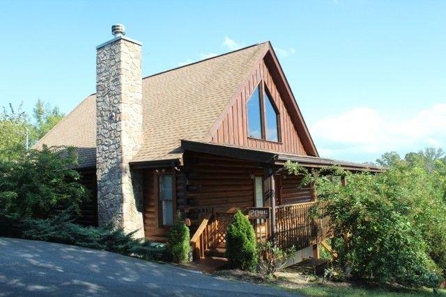 Eagles Haven Cabin - Wifi, Hotub, & More!, vacation rental in Kodak
