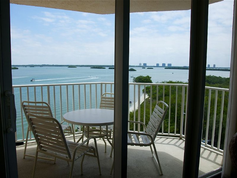 Enjoy a little slice of Paradise, vacation rental in Fort Myers Beach