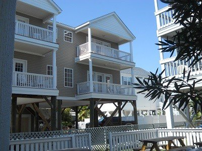 Private pool!  Steps Away From The Beach, Linen Package Included, location de vacances à Murrells Inlet