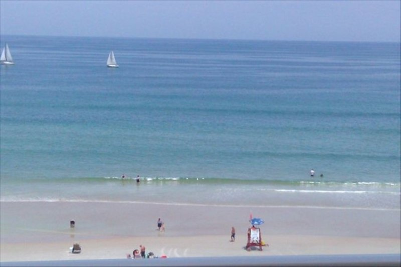Luxury Ocean/Beach-front Condo... 'Luscious Tranquilities', holiday rental in Daytona Beach Shores