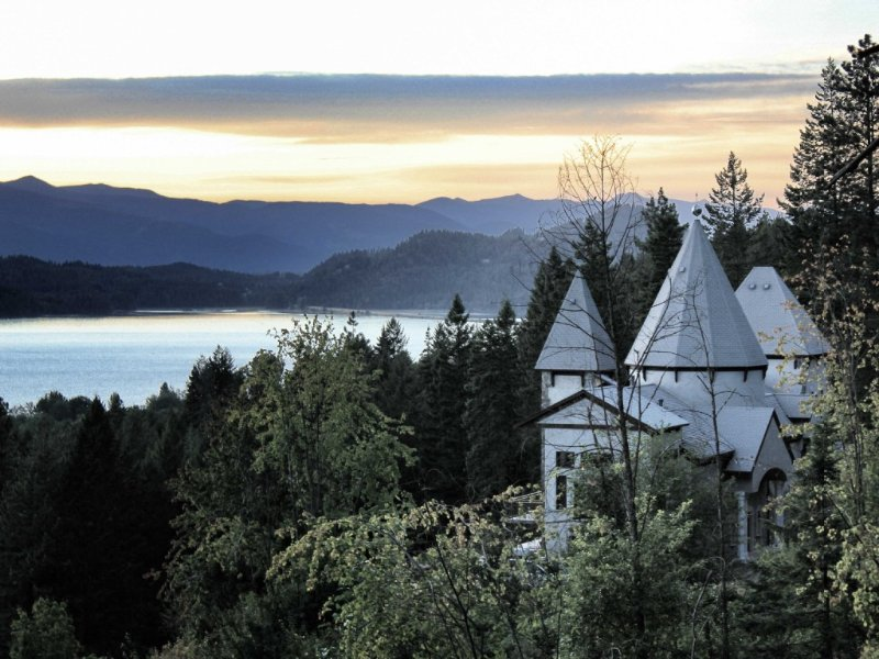 The Idaho Castle - A Great Place For A Family Vacation., vacation rental in Hope