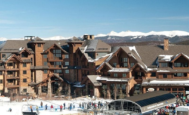 Book before 12/9/2018 Save at Grand Lodge on Peak 7 3/24/19 - 3/31/19, vacation rental in Breckenridge