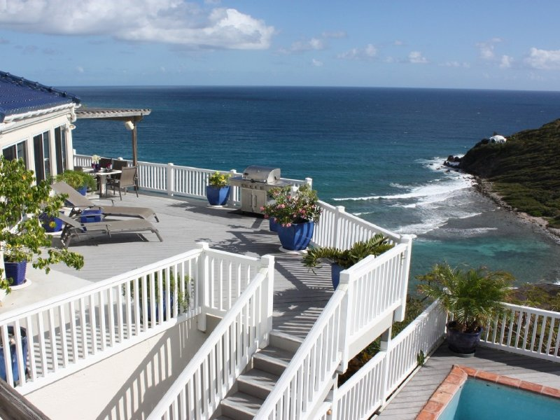 OCEANFRONT HOME AWAY FROM HOME, INCREDIBLE VIEWS. Last min , Low season Rates!, holiday rental in St. John