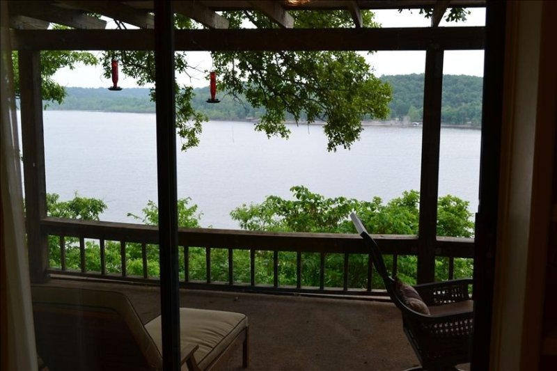 Welcome to Faulkner's Landing Lake Front Home with Boat Dock, holiday rental in Afton