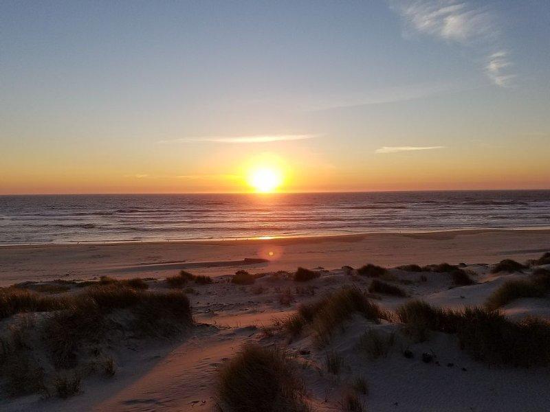Amazing Oceanfront home, alquiler de vacaciones en Waldport