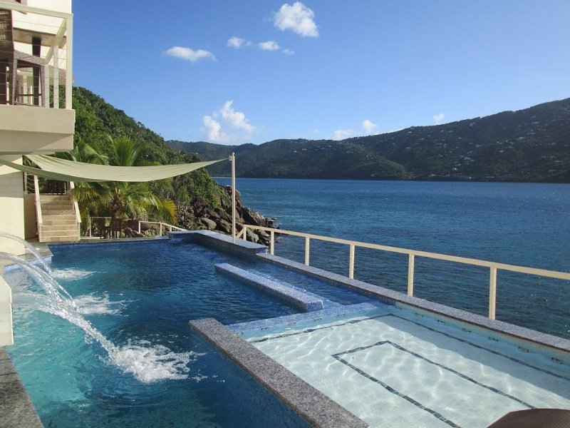 Your own private beach!, holiday rental in St. Thomas