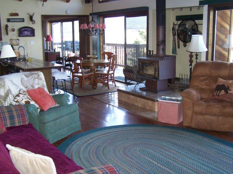 Mountain Holiday Getaway; AZ Snowbowl Ski -1 Mi; Canyon 60 Mi, holiday rental in Bellemont