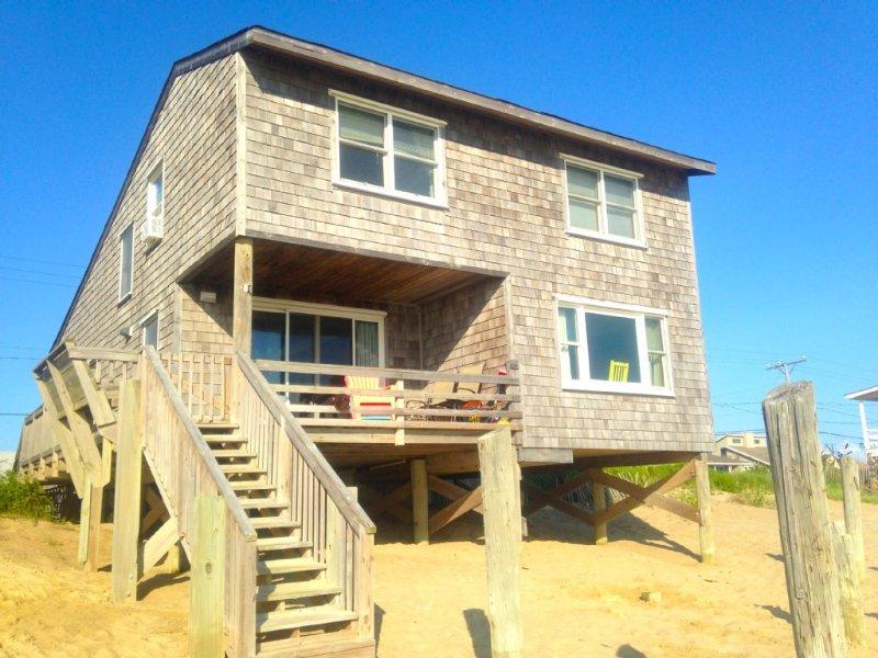 Oceanfront Cottage - 3 bedroom/2 bath, Pet Friendly, Linens Included, WiFi, location de vacances à Kill Devil Hills