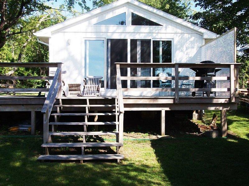 Summer Vacation Cottage, location de vacances à East Greenwich