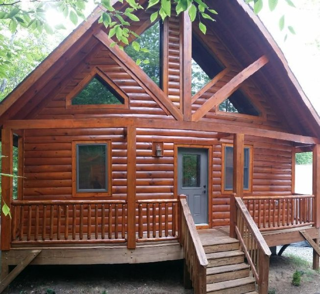 Picturesque Upscale Log Home, Cozy, Relaxing, Great Location Near Ski Resorts!!, holiday rental in Beech Mountain