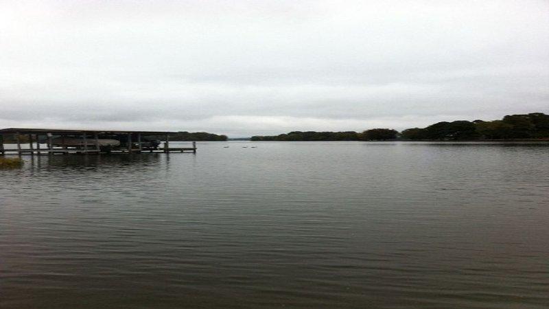 Waterfront Lake Hamilton! Sleeps 8, casa vacanza a Bismarck