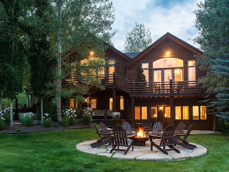 Secluded Luxury Home, Stunning Views In Fabulous Aspen/Snowmass, vacation rental in Snowmass Village
